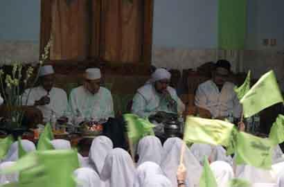 Siang Bersama Habib Syech