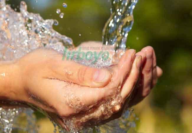 Memanfaatkan Air Masjid
