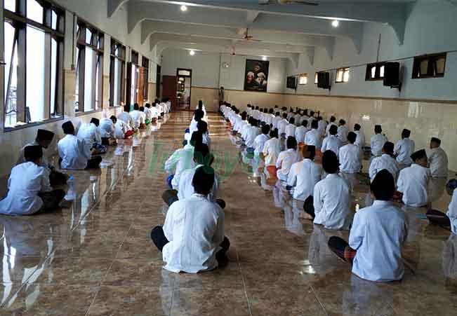 Ujain Tes Masuk Madrasah Hidayatul Mubtadi-ien
