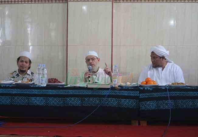 Ngaji Ihya Ulumuddin Bersama Syekh Yasir Syria & Habib Sholeh Al-Jufri Solo