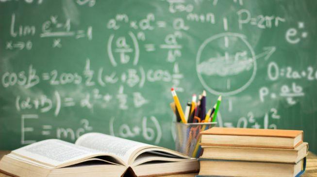 Perbedaan Mengajar dan Mendidik