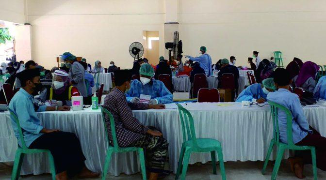 Vaksinisasi Dosis Kedua di Pondok Lirboyo
